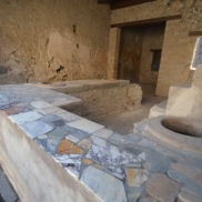 """Fast food"" restaurant in Pompeii"
